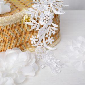 Аппликации пришивные (лейсы) белый цвет